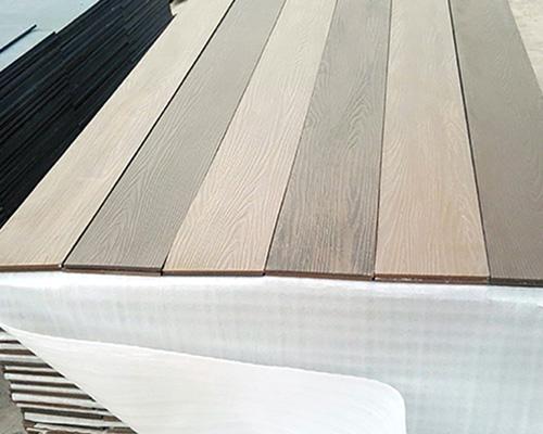 纤维shuini木纹板